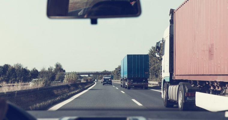 Wypożyczalnia samochodów dostawczych – na co zwrócić uwagę?