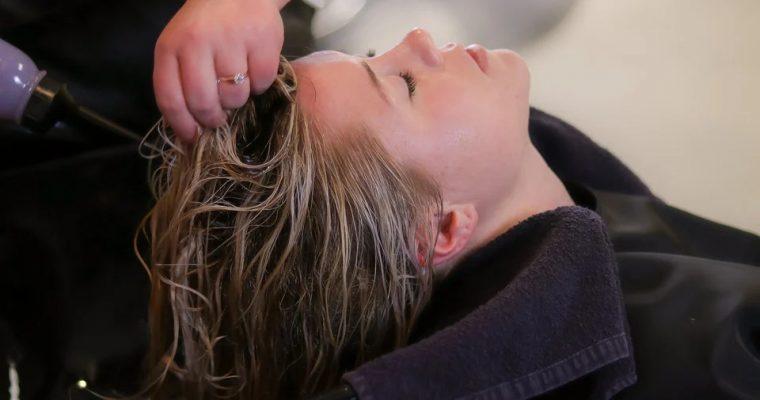 Lepszy jest profesjonalny szampon do włosów czy zwykły?